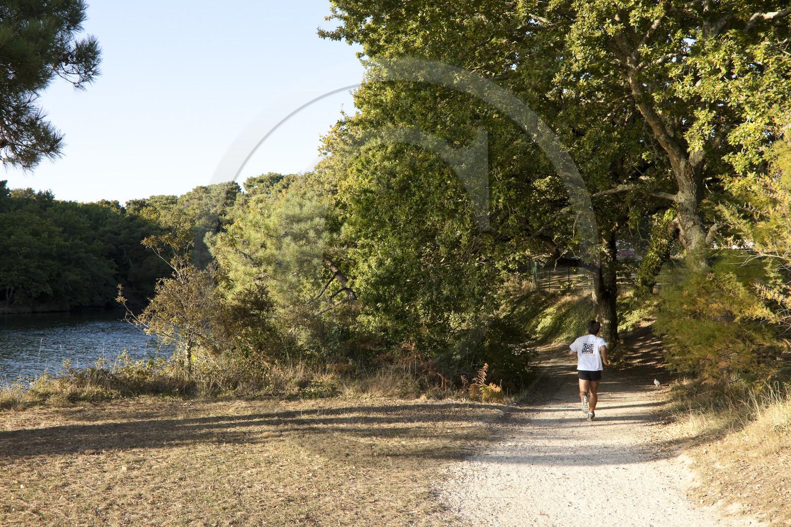 Running autour de l 39 tang du ter onvasortir lorient for Terrace jogging track